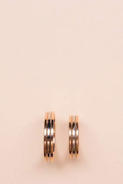 Nahaufnahme goldene verlobungsringe Kostenlose Fotos