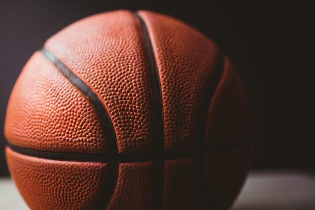 Nahaufnahme von basketball Premium Fotos