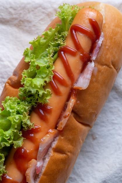 Nahaufnahme von hot dog speck Premium Fotos