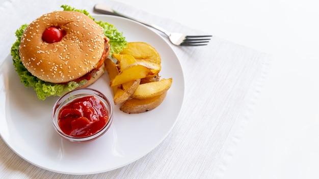 Nahaufnahmehamburger mit fischrogen Kostenlose Fotos