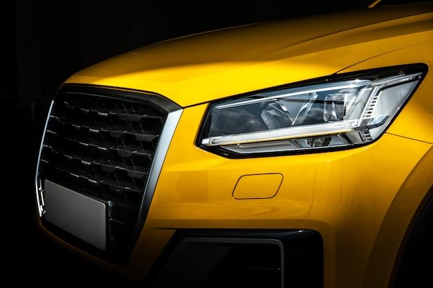 Nahaufnahmesuv-auto mit sport und modernem stil Premium Fotos