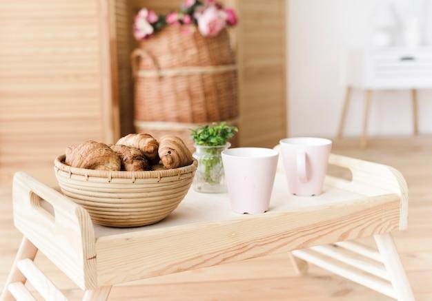 Nahaufnahmetablett mit frühstück Kostenlose Fotos