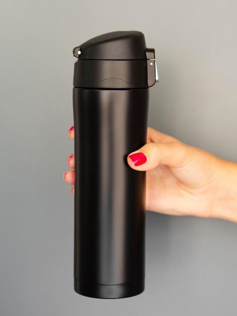 Nahaufnahmethermosemodell auf grauem hintergrund Kostenlose Fotos