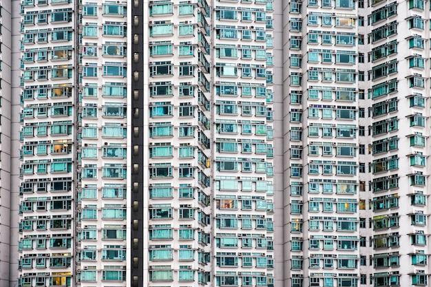 Nahtlose außenfassadenwohnung mit glasfenstern Premium Fotos
