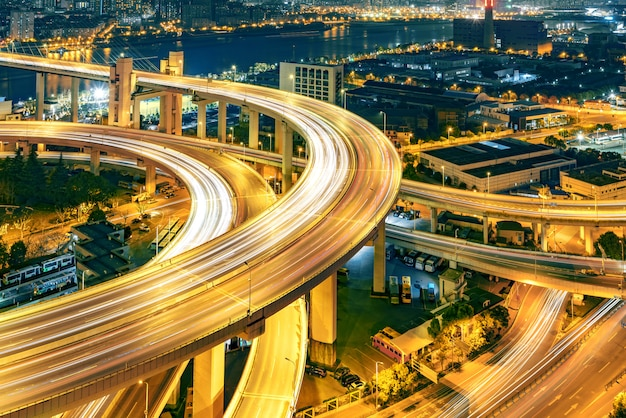 Nanpu bridge in der nacht Premium Fotos