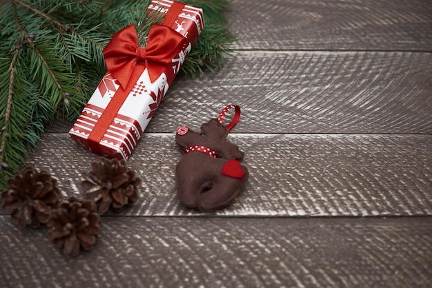 Natürliche planken- und weihnachtsschmuck Kostenlose Fotos