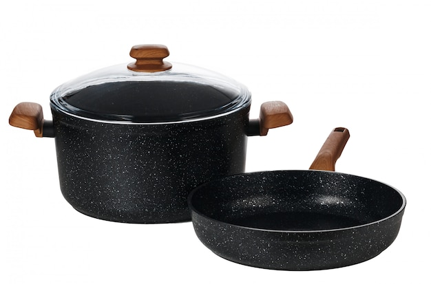 Neue schwarze kasserolle lokalisiert auf weißem hintergrund Premium Fotos