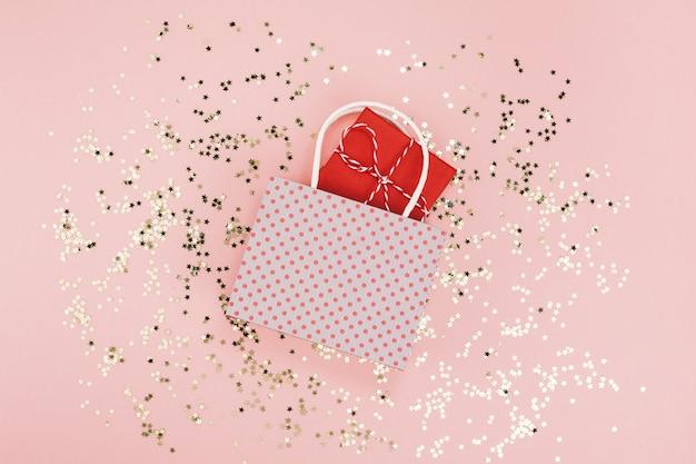 Neues jahr weihnachten geburtstag valentinstag geschenk Premium Fotos