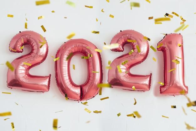 Neujahr 2021 nummeriert luftballons. feier, urlaub. Premium Fotos