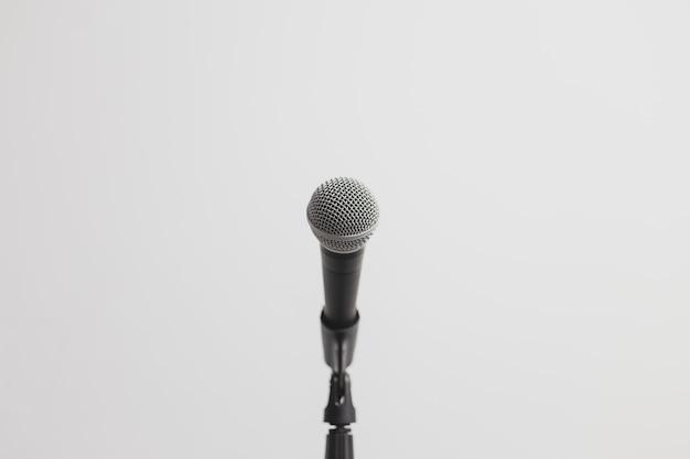 Niedrige ansicht eines mikrofons Premium Fotos