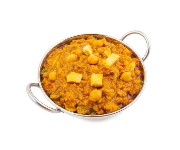 Nordindischer gesunder küche chole paneer auf weißem hintergrund Premium Fotos
