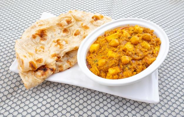 Nordindischer gesunder küche chole paneer Premium Fotos