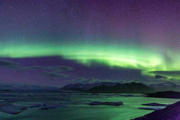 Nordlicht aurora borealis jokulsarlon gletscher Premium Fotos