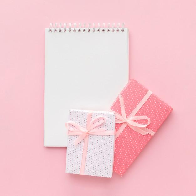 Notizbuch mit rosa geschenken Kostenlose Fotos