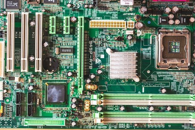 Obenliegende ansicht des computermotherboards Premium Fotos