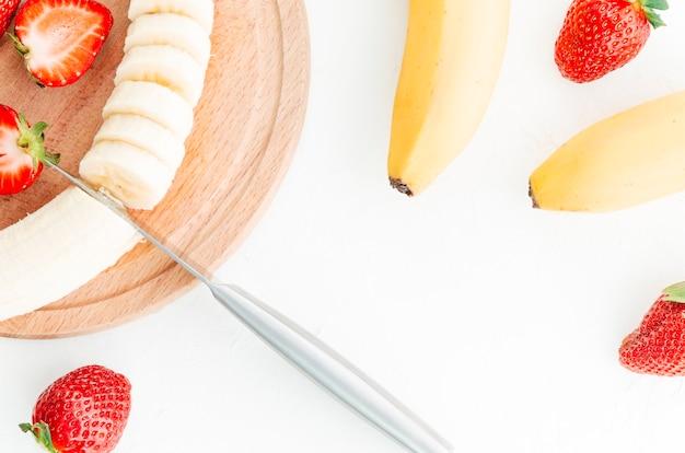 Obst auf holzbrett Kostenlose Fotos