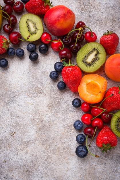 Obst und beeren sommer Premium Fotos