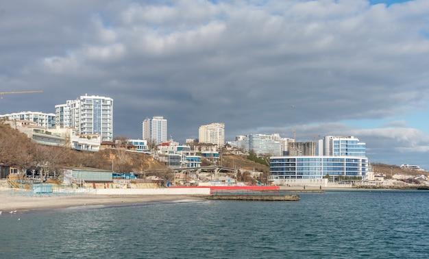 Odessa strand im winter, ukraine Premium Fotos