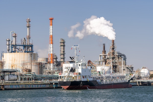Öl petrochemische fabrik Premium Fotos