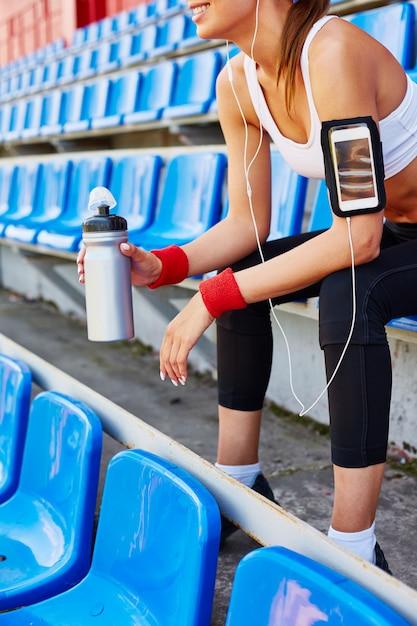 Ohrhörer training freizeit aktive zeile Premium Fotos