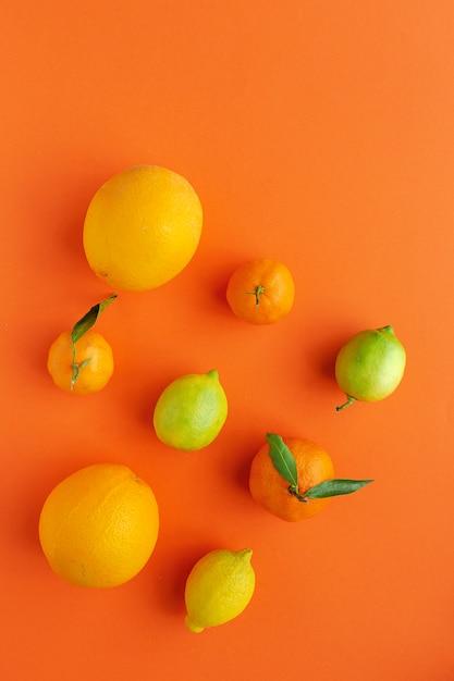 Orangen, mandarinen und zitronen Premium Fotos