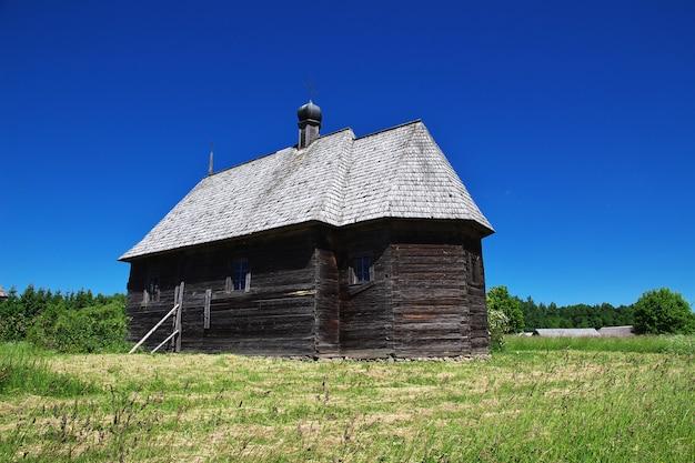 Ozertso-dorf in weißrussland-land Premium Fotos