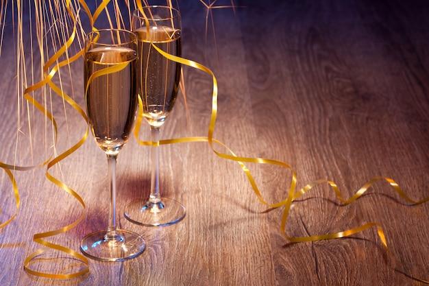 Paar gläser champagner Premium Fotos