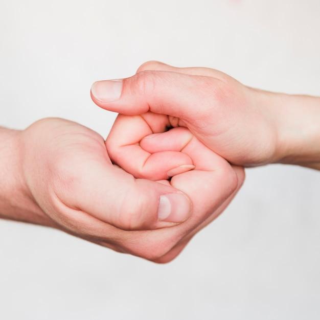 Paar hände halten Kostenlose Fotos