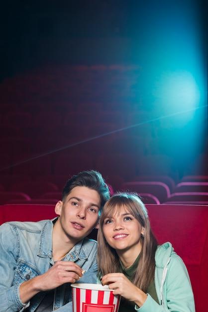 Paar im kino Kostenlose Fotos
