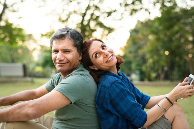 Wie viel Zeit verbringen Dating-Paare zusammen Datierung für Gehörlose