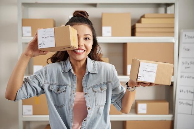 Pakete für kunden Kostenlose Fotos