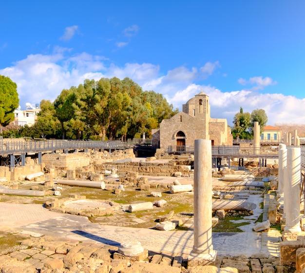 Panagia chrysopolitissa basilika in zypern Premium Fotos