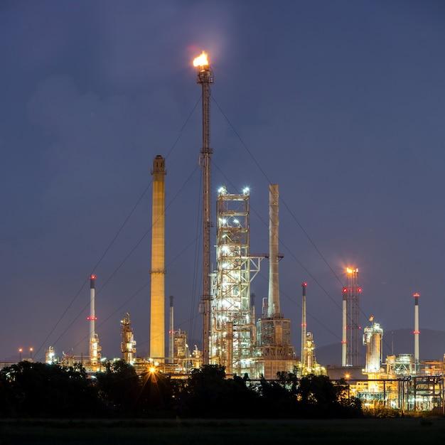 Panorama-erdölraffinerieanlage Premium Fotos