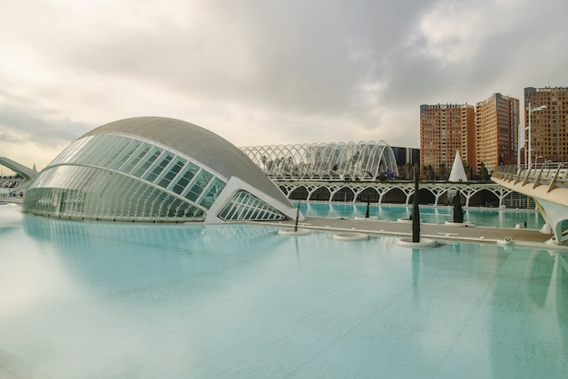 Panorama-kino in der stadt der wissenschaften von valencia Premium Fotos