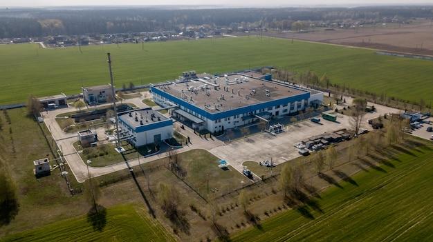 Panorama von industriegebäuden gegen den himmel Premium Fotos