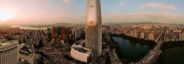 Panoramablick auf sonnenuntergang in seoul-stadt Premium Fotos