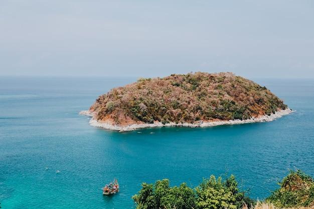 Panoramablick des meeres in phuket, thailand Premium Fotos