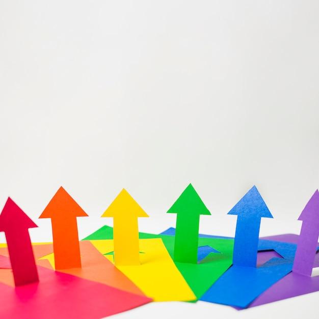 Papierpfeile in lgbt-farben Kostenlose Fotos