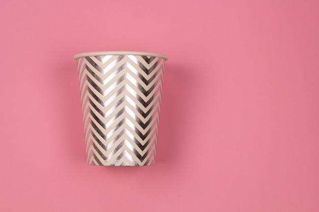 Papierschalen-rosahintergrund der draufsicht Premium Fotos