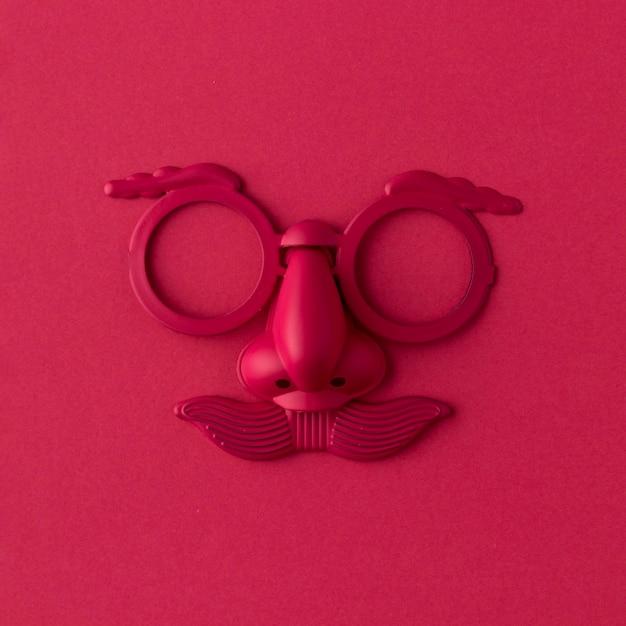 Parade rote maske und zubehör Premium Fotos