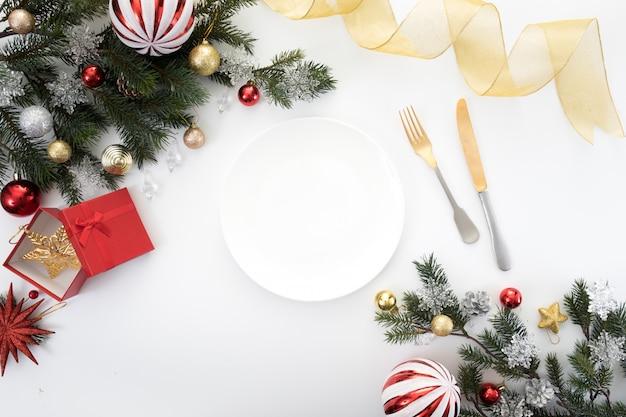 Partytisch-abendessenhintergrund des weihnachtsneuen jahres feiern zeit Premium Fotos