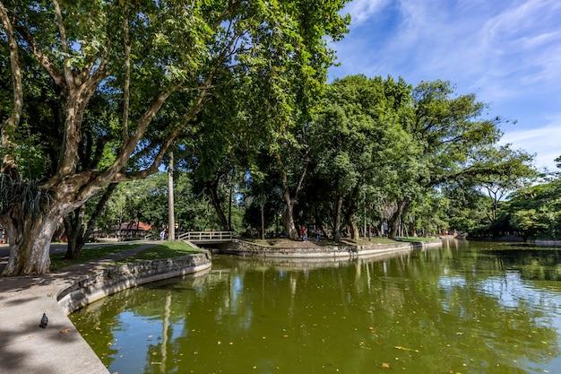 Passeio publico park. curitiba, bundesstaat parana - brasilien Premium Fotos