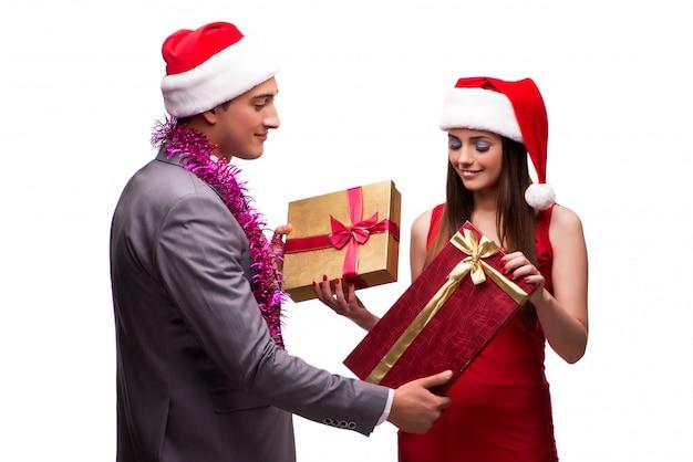 Passen sie das feiern von weihnachten im büro zusammen, das auf weiß lokalisiert wird Premium Fotos