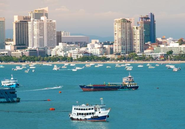 Pattaya-stadt scape schöne buchtansicht. Premium Fotos