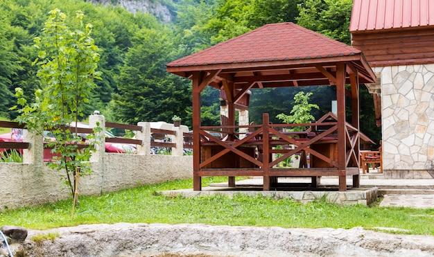 Pavillon, pergola in parks und gärten Premium Fotos