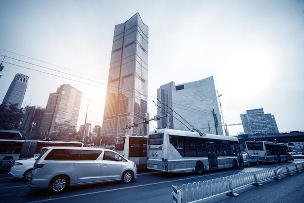 Pekinger straße und auto Premium Fotos