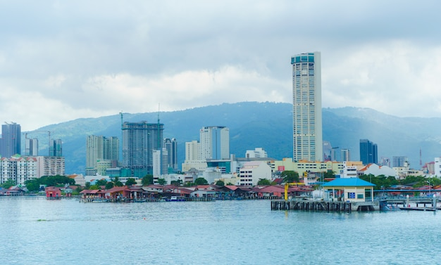 Penang ist ein malaysischer staat an der nordwestküste der malaysischen halbinsel. Premium Fotos