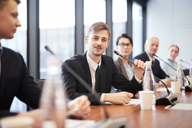 People in business-konferenz Premium Fotos
