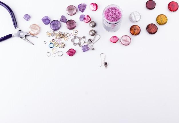 Perlen für die schmuckherstellung Premium Fotos