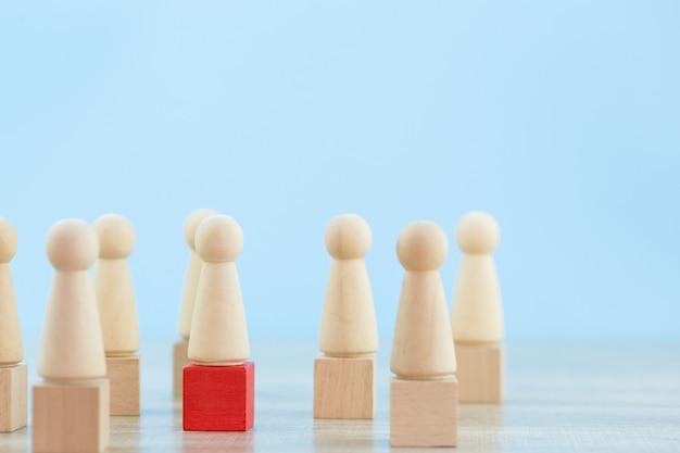 Personalmanagement, finden von geschäftsleuten und geschäftsteams mit unternehmensführerkonzepten-image. Premium Fotos